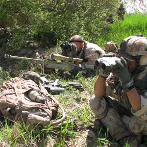 Et dansk finskyttehold i stilling i Afghanistan